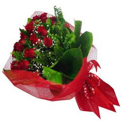 Erzincan internetten çiçek siparişi  12 adet kirmizi essiz gül buketi - SEVENE ÖZEL