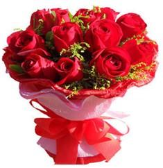 9 adet kirmizi güllerden kipkirmizi buket  Erzincan İnternetten çiçek siparişi