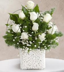 9 beyaz gül vazosu  Erzincan çiçek servisi , çiçekçi adresleri