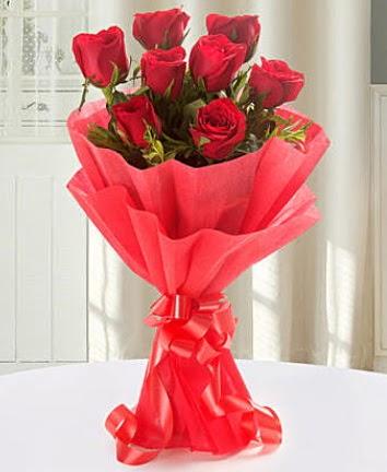 9 adet kırmızı gülden modern buket  Erzincan uluslararası çiçek gönderme