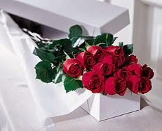 Erzincan çiçek servisi , çiçekçi adresleri  özel kutuda 12 adet gül