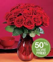 Erzincan 14 şubat sevgililer günü çiçek  10 adet Vazoda Gül çiçek ideal seçim