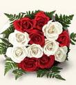 Erzincan çiçek mağazası , çiçekçi adresleri  10 adet kirmizi beyaz güller - anneler günü için ideal seçimdir -