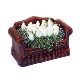 seramik içerisinde 11 gül  Erzincan güvenli kaliteli hızlı çiçek