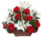 sepette gül ve kazablankalar   Erzincan yurtiçi ve yurtdışı çiçek siparişi