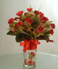 yapay güllerden vazo  9 gül  Erzincan çiçek , çiçekçi , çiçekçilik