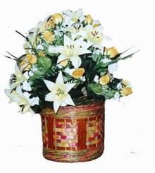 yapay karisik çiçek sepeti   Erzincan çiçek satışı