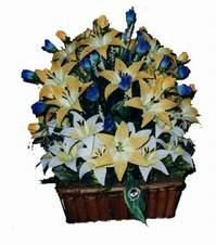 yapay karisik çiçek sepeti   Erzincan hediye sevgilime hediye çiçek