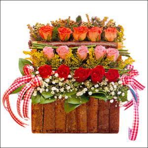 sandikta 3 kat güllerden   Erzincan çiçek satışı