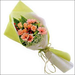 sade güllü buket demeti  Erzincan yurtiçi ve yurtdışı çiçek siparişi