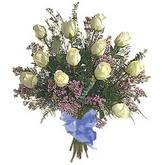 bir düzine beyaz gül buketi   Erzincan 14 şubat sevgililer günü çiçek
