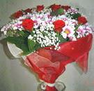 12 gül ve kir çiçeklerinden  Erzincan anneler günü çiçek yolla