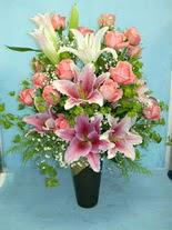 Erzincan çiçek yolla , çiçek gönder , çiçekçi   cam vazo içerisinde 21 gül 1 kazablanka