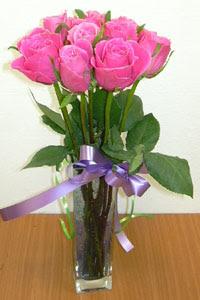 cam vazo içerisinde 11 adet gül  Erzincan çiçek yolla , çiçek gönder , çiçekçi