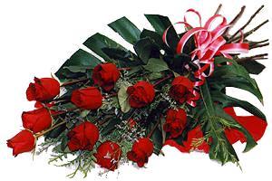10 adet gül buketi sade ve sik bir haldedir  Erzincan yurtiçi ve yurtdışı çiçek siparişi