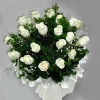 Erzincan güvenli kaliteli hızlı çiçek  11 adet beyaz gül buketi ve bembeyaz amnbalaj