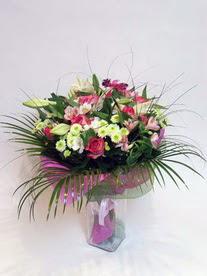 Erzincan güvenli kaliteli hızlı çiçek  karisik mevsim buketi mevsime göre hazirlanir.