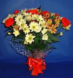 Erzincan güvenli kaliteli hızlı çiçek  kir çiçekleri buketi mevsim demeti halinde