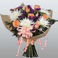 güller ve kir çiçekleri demeti   Erzincan İnternetten çiçek siparişi