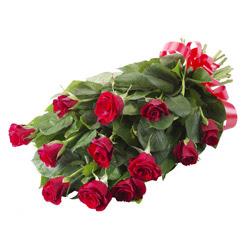 11 adet kirmizi gül buketi  Erzincan online çiçek gönderme sipariş
