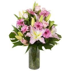 vazo içerisinde karisik mevsim çiçekleri  Erzincan çiçek gönderme sitemiz güvenlidir