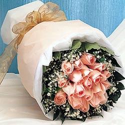 12 adet sonya gül buketi anneler günü için olabilir   Erzincan uluslararası çiçek gönderme