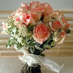 12 adet sonya gül buketi    Erzincan hediye sevgilime hediye çiçek