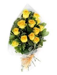 Erzincan çiçek siparişi vermek  12 li sari gül buketi.
