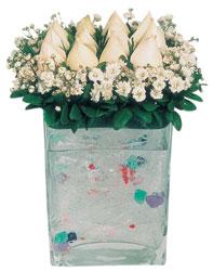 Erzincan yurtiçi ve yurtdışı çiçek siparişi  7 adet beyaz gül cam yada mika vazo tanzim