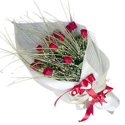 Erzincan online çiçek gönderme sipariş  11 adet kirmizi gül buket- Her gönderim için ideal