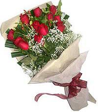 11 adet kirmizi güllerden özel buket  Erzincan çiçek gönderme sitemiz güvenlidir