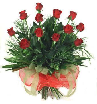 Çiçek yolla 12 adet kirmizi gül buketi  Erzincan çiçek siparişi vermek