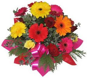 Karisik mevsim çiçeklerinden buket  Erzincan çiçekçi mağazası