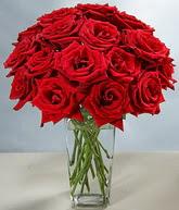 Erzincan yurtiçi ve yurtdışı çiçek siparişi  cam vazoda 11 kirmizi gül  Erzincan çiçekçi mağazası