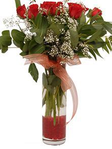 Erzincan çiçek , çiçekçi , çiçekçilik  11 adet kirmizi gül vazo çiçegi