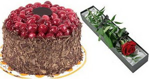 1 adet yas pasta ve 1 adet kutu gül  Erzincan çiçek , çiçekçi , çiçekçilik