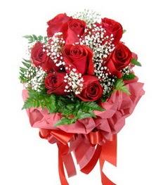9 adet en kaliteli gülden kirmizi buket  Erzincan internetten çiçek satışı