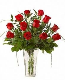 cam yada mika vazo içerisinde 9 kirmizi gül  Erzincan online çiçekçi , çiçek siparişi