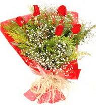 Erzincan hediye çiçek yolla  5 adet kirmizi gül buketi demeti