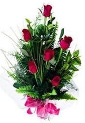 Erzincan çiçek siparişi vermek  5 adet kirmizi gül buketi hediye ürünü