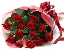 Erzincan hediye çiçek yolla  10 adet kipkirmizi güllerden buket tanzimi