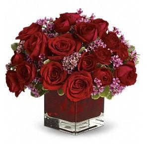 11 adet kırmızı gül vazosu  Erzincan İnternetten çiçek siparişi