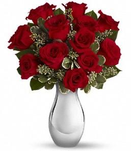 Erzincan çiçek yolla   vazo içerisinde 11 adet kırmızı gül tanzimi