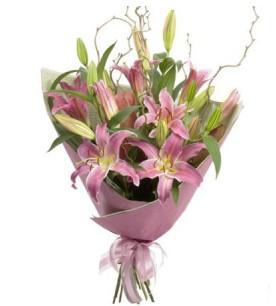 Erzincan uluslararası çiçek gönderme  3 dal cazablanca buket çiçeği