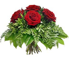 Erzincan çiçekçiler  5 adet kırmızı gülden buket