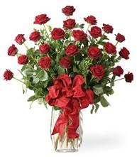 Sevgilime sıradışı hediye güller 24 gül  Erzincan ucuz çiçek gönder