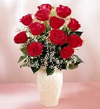 Erzincan yurtiçi ve yurtdışı çiçek siparişi  9 adet vazoda özel tanzim kirmizi gül