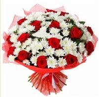 11 adet kırmızı gül ve beyaz kır çiçeği  Erzincan çiçek yolla , çiçek gönder , çiçekçi