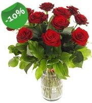 11 adet vazo içerisinde kırmızı gül  Erzincan çiçek gönderme