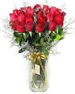 27 adet vazo içerisinde kırmızı gül  Erzincan uluslararası çiçek gönderme